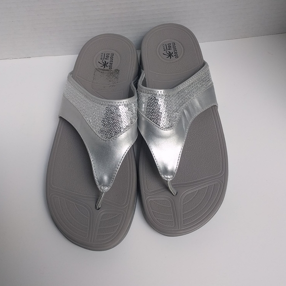 👠Silver slippers by Montego Bay club